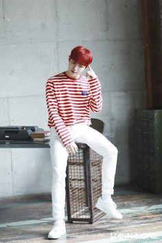 Kim jaehwan Wanna One 2019 Season's Greetings Idol 3, Top Kpop, Cute Korean Fashion, Jaehwan Wanna One, Boy Fashion, Mens Fashion, Let's Stay Together, Secret Admirer, Boyfriend Pictures