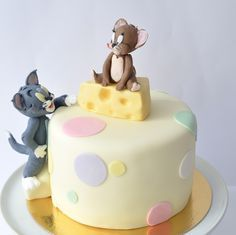 Tom and Jerry cake.