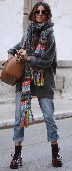 street style obsession / grey oversized sweatshirt + bag + knit scarf + boyfriend jeans + boots