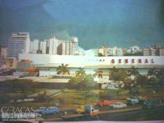 Cauchos General Av. Libertador 1982 hoy en su lugar esta el c/c Sambil chacao