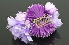 成人式の振袖や夏着物・浴衣にピッタリな花の髪飾り。髪飾り 紫 パープル ダリア スイートピー つまみ くし コーム 髪留め ヘアアクセサリー 浴衣 着物 振袖 成人式 【あす楽対応】