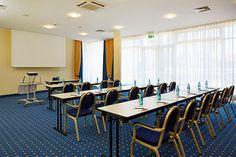 Eines der Konferenz- & Seminarräume / One of the conference and seminar rooms | RAMADA Hotel Stade