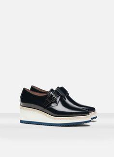http://www.uterque.com/pt/pt/calçado/ver-todos/blucher-plataforma-fivela-c96546p5494501.html?color=010
