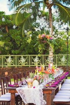Hawaii Wedding Florist, Tropical Wedding Ideas, Tropical Centerpieces, Vintage Hawaii Wedding, Big Island Wedding Coordinator, www.vintageandlace.com