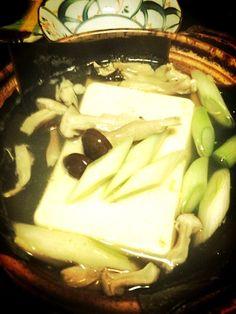 茹で鶏を作った時のスープで湯豆腐。あったまるよ〜(@ ̄ρ ̄@) - 2件のもぐもぐ - 鶏のスープで湯豆腐 by morimi32