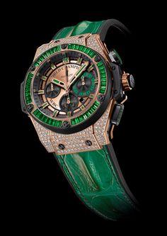 Floyd Mayweather receives a Hublot King Power WBC Full Pavé timepiece