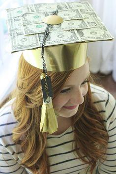DIY Graduation Cap Made of Money - diy and joy Diy Graduation Gifts, Graduation Theme, Graduation Cap Decoration, Creative Money Gifts, Grad Hat, College Gifts, Birthday Diy, Birthday Cake, Partys