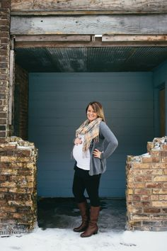 Maternity photography.  Maternity style.  Nikki Jilek Photography