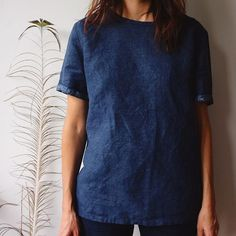 Have you ever sewn the camber top from MErchant & mills? This is my second and this simple thing is certainly the garment that I most wear in recent months. Made with my favorite kind of fabric, a linen cotton blend. #cambertop #merchantandmills #isew #simplewardrobe