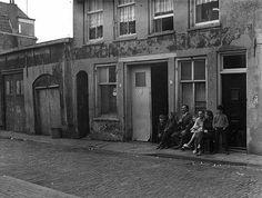 Utrecht op Zondag   Wijk C - Oranjestraat in 1965