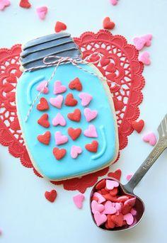 Valentine's Day Dessert Recipe Ideas,  2014 Valentine's Day Cookie,  valentine's day food ideas  www.loveitsomuch.com