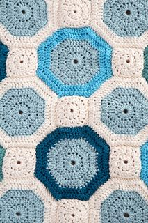 Mosaic Throw, free pattern by Heather Lodinsky