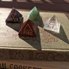 Altar directional pyramids (at Cast A Stone) Witch Aesthetic, Character Aesthetic, Wicca Witchcraft, Magick, Crystal Aesthetic, Yennefer Of Vengerberg, Baby Witch, Modern Witch, Beltane