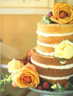 O bolo de cenoura é um clássico, mas pode aparecer na moderna versão naked. Com recheio de creme de cream cheese ou brigadeiro, sucesso garantido. INGREDIENTES 4 ovos em temperatura ambiente 400 gr.
