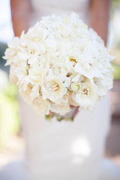 All-white wedding bouquet Photography by Annie McElwain / anniemcelwain.com, Floral Design by Flowerwild / flowerwild.com, Event Coordination by XOXO BRIDE / xoxobride.com