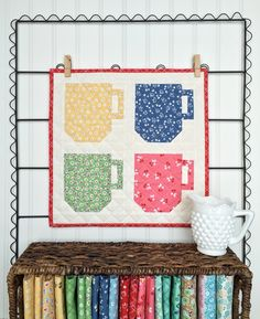 Cocoa Cups mini quilt featuring Lori Holt's Calico Days fabric collection #iloverileyblake