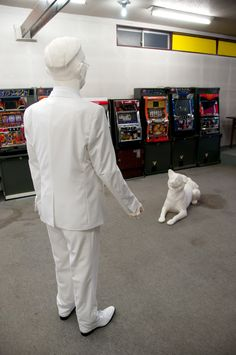 """Nakanojo Biennale the emperor Hirohito and the dog Hachiko two """"icons"""" of showa period are meeting in an old game center. Showa Period, Hachiko, Mind Games, Historical Images, Japanese Culture, Reign, Inspire Me, Inventions, Leadership"""