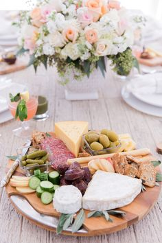 Spring is here so I wanted to host a beautiful, bright, and healthy affair for guests on my patio. On my table… gorgeous and lush floral arrangements, an over-flowing cheese board of Spring favorites, individual cheese boards at each table setting {a detail guests always love!}, and a selection of healthy juices {because something about Spring sparks everyones interest in healthy eating!}. I am excited to share a closer look at all the details… There is nothing more inviting that a huge…