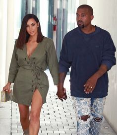 Kim Kardashian Photos - Kanye West And Kim Kardashian At Ysabel Restaurant - Zimbio