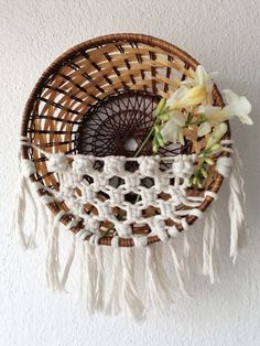 Ideal for airplants, dried flowers, lavender Natural Braids, Macrame Cord, Metallic Colors, Air Plants, Basket Weaving, Dried Flowers, Decorative Bowls, Lavender, Photo And Video