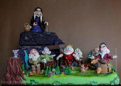 the seven dwarfs - Cake by Pamela Iacobellis