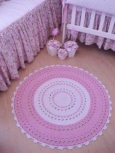 Decorando quarto de menina, com tapete de croche