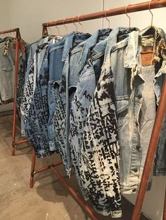 Denim jackets: A Look Inside Kanye Wests The Life of Pablo Pop-Up. Custom Clothes, Diy Clothes, Denim Fashion, Street Fashion, Denim Art, Denim Ideas, Inspiration Mode, Jackett, Tommy Hilfiger