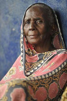 Offrir et acheter en cadeau un foulard à sa grand mère pour la fête des grand mère, le cadeau idéal pour mamie pour sa fête, idée artisanale et fait main.