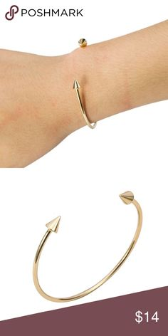SALE ! Cuff Arrow Spike Bracelet, Cuff Style!  Gold color. Jewelry Bracelets