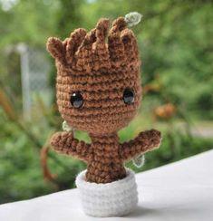 Baby Groot en crochet es amor ($390). | 16 Cosas que necesitas si estás perdidamente enamorado de Baby Groot