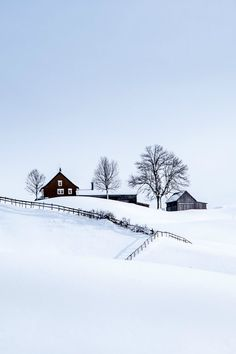 Find images and videos about winter, snow and house on We Heart It - the app to get lost in what you love. Winter Szenen, I Love Winter, Winter Magic, Winter Time, Winter Christmas, Clear Winter, Prim Christmas, Christmas Scenes, Beautiful World