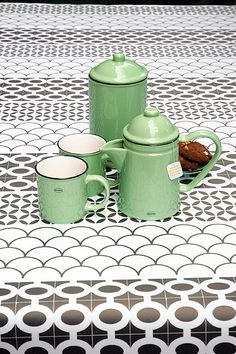 Coffee Pot   ceramic enamel-look   vintage green #cabanaz #capventure #dutchdesign #product #enamellook