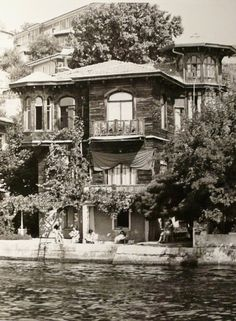 One of the many old multi-story homes of some wealthy merchant of days gone by on the bank of the Bosphoros....
