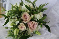 www.wanakaweddingflowers.co.nz/gallery.php