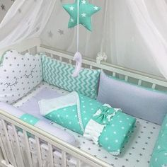 Diy baby nest pillow New Ideas Baby Crib Bedding, Baby Pillows, Baby Bedroom, Baby Boy Rooms, Baby Room Decor, Baby Cribs, Baby Furniture, Kid Beds, Cool Baby Stuff
