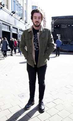 Live At Leeds Street Style: the 1460 boot. Street Style 2016, Street Style Trends, Street Styles, Big Men Fashion, Mens Fashion Blog, Style Fashion, Fashion Ideas, Mens Style Guide, Men Style Tips