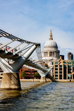 Kunstwerk: 'St pauls Cathedral, millennium bridge at the Thames' van Nynke Altenburg Cable Stayed Bridge, Millennium Bridge, London Bridge, England Uk, Cathedral, Louvre, Europe, History, Building
