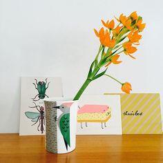 Donna Wilson mug via Strand West. #decor #ceramics #home #display #cards #strandwestutrecht #deinterieurhemelopaarde #donnawilson #specht #tompoes #zeefdruk #allorasignora #witwonenmetkleur