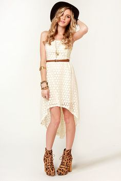 cute white dress. absolutely love the jewelry