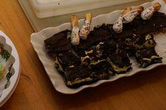 Naniamo Bar Recipe...Canadian Christmas fave Bad Grandma, Dessert Recipes, Xmas Recipes, Desserts, Canadian Christmas, Nanaimo Bars, Xmas Food, Brownie Cookies, Sweets