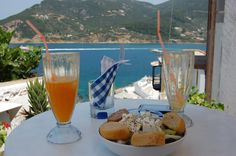 Thalassi Cafe Skopelos Town, Skopelos Island Greece    photo by jadoretotravel