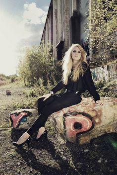 Location shot, grunge, barn, lovely, fashion, model