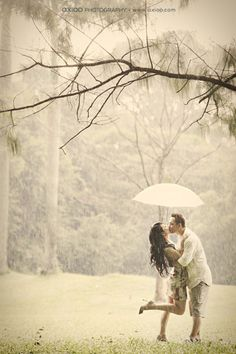 rainy engagement session- looks like showers forecasted! Inspiration that it will be just as nice.
