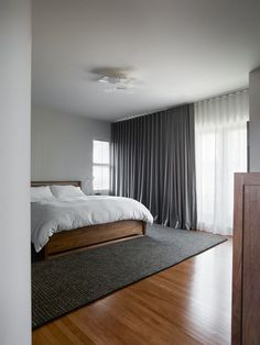 A sturdy but uninspired San Francisco house gets an update for a professional chef and a tech entrepreneur. Architect Daniel Piechota is available for the next 48 hours to answer your questions Bedroom Drapes, Home Curtains, Home Bedroom, Master Bedroom, Bedroom Decor, Modern Curtains, Curtains And Blinds Together, Black Curtains Bedroom, Bedroom Furniture