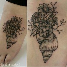 Pretty Z Tattoo, Dad Tattoos, Dot Work Tattoo, Sister Tattoos, Future Tattoos, Sleeve Tattoos, Tatoos, Conch Shell Tattoos, Seashell Tattoos