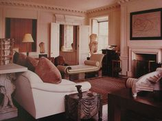 Another view of the living room on Sutton Place - Bill Blass Living Room Arrangements, Bill Blass, Classic Interior, Living Furniture, White Furniture, Beautiful Interiors, Luxury Living, Decoration, Living Spaces