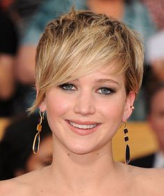 jennifer lawrence short haircut photos | Jennifer Lawrence Short Straight Hairstyle - Dark Blonde