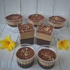 Puding Lapis Coklat Oreo by Sandra Agustin Jelly Desserts, Pudding Desserts, Jelly Recipes, Pudding Recipes, Cake Recipes, Snack Recipes, Dessert Recipes, Pudding Cup, Puding Oreo