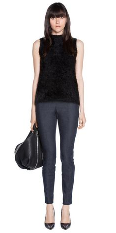 CUE - Textured Sleeveless Crossover Knit