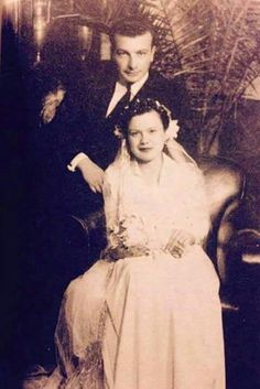 Evlilik hatırası, 1940 Muazzez İlmiye Çığ ve eşi Kemal Çığ